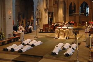 Diakonenweihe im Hohen Dom zu Münster