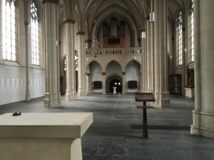 leere Kirche Ro
